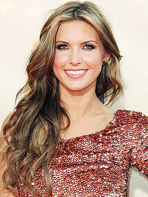 audrina patridge highlights 2009. AUDRINA#39;S SEXY WAVES photo