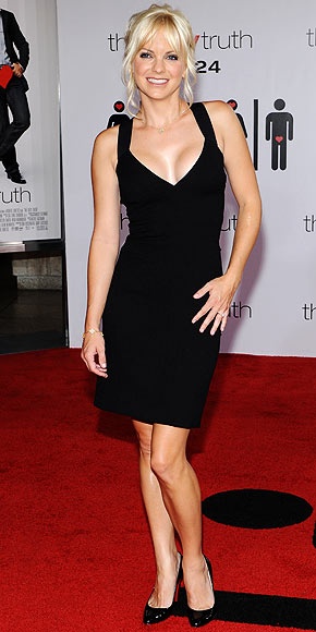 http://img2.timeinc.net/people/i/2009/stylewatch/hitormiss/090727/anna-faris.jpg
