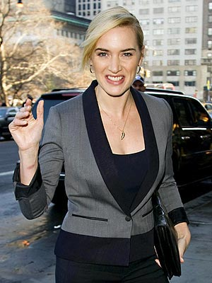 KATE WINSLET&#39;S LEAF CHARM photo | Kate Winslet