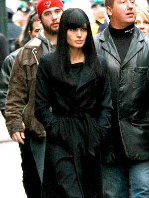 ANGELINA JOLIE'S WRAP COAT  photo | Angelina Jolie