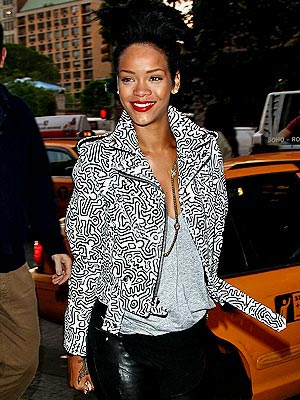RIHANNA&#39;S PRINTED JACKET  photo | Rihanna