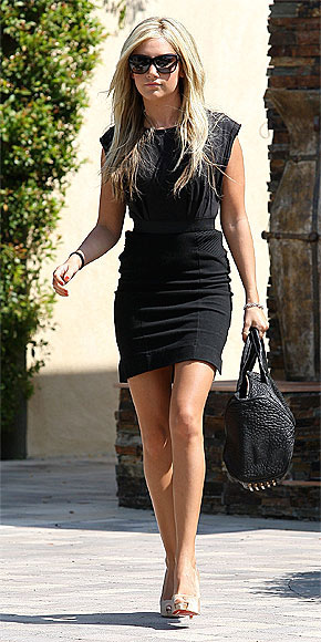 ASHLEY TISDALE'S DRESS photo | Ashley Tisdale