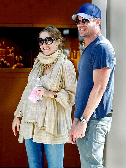 REBECCA GAYHEART&#39;S SCARF  photo | Eric Dane, Rebecca Gayheart