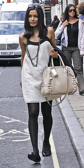 FREIDA PINTO&#39;S BAG photo | Freida Pinto