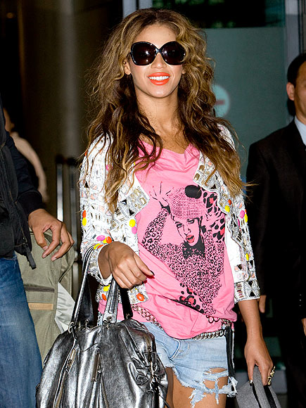 BEYONC&#201;&#39;S TRAVEL BAG photo | Beyonce Knowles