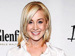 Kellie Pickler Gets Close to Her Fans