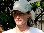 Gisele Visits a Pet Store | Gisele Bundchen