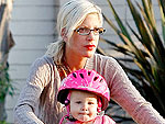 Tori Spelling Bikes to Breakfast – with Her Kids | Tori Spelling
