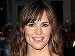 Jennifer Garner Snacks to Help Children in Need
