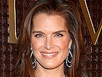 Ouch! Brooke Shields's Girl Tugs On Mom's Lashes | Brooke Shields
