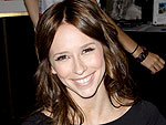 Jennifer Love Hewitt Hits the Shopping Mall | Jennifer Love Hewitt