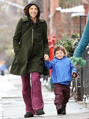 Spotted: Maggie Gyllenhaal and Ramona's Sunday Stroll ... Maggie Gyllenhaal Kids