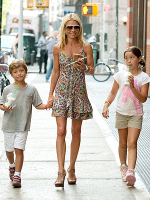 Spotted: Kelly Ripa and Kids Drink Up