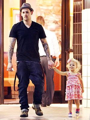Joel Madden And Nicole Richie And Kids. Joel Madden, Nicole Richie