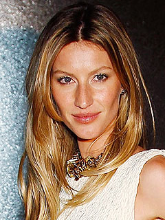 Gisele Bündchen's Ladies' (Early) Night Out
