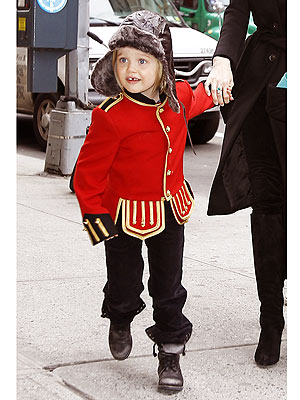 Mini Must Have Shiloh Jolie Pitt S Military Jacket Moms