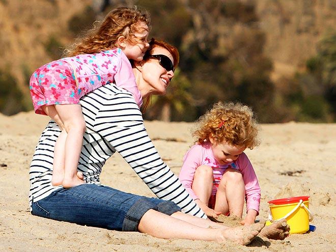 Марсия Кросс с дочерьми