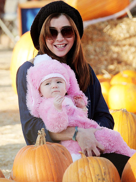 WITTLE WABBIT photo | Alyson Hannigan