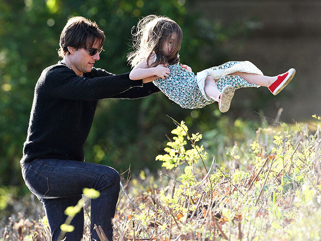 TOM & SURI photo | Suri Cruise, Tom Cruise