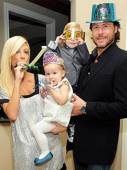 HAPPY NEW YEAR! photo | Dean McDermott, Tori Spelling