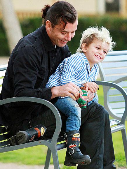 SOCK STEADY photo   Gavin Rossdale