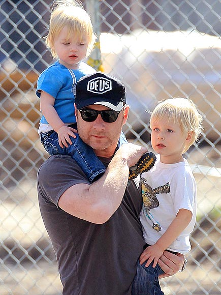 DADDY DUTY photo | Liev Schreiber