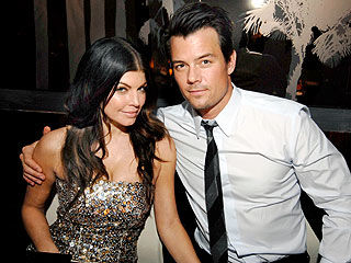 Fergie & Josh Get Romantic at Dinner | Fergie, Josh Duhamel