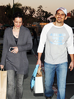 Brad Paisley's Sweet Couples Shopping Trip | Brad Paisley, Kimberly Williams-Paisley