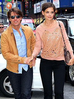 Couples Watch: Tom Cruise & Katie Holmes's Family Shopping Trip