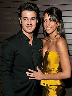 Kevin Jonas Takes His Wife Dancing in Las Vegas | Kevin Jonas