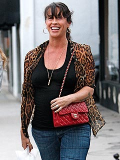 Alanis Morissette Picks Out Baby Clothes in L.A. | Alanis Morissette