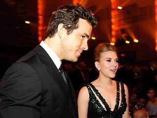Scarlett & Ryan's Sexy Date Night in N.Y.C. | Ryan Reynolds, Scarlett Johansson