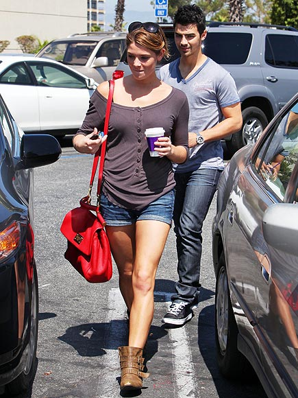 PICK-ME-UP photo | Ashley Greene, Joe Jonas