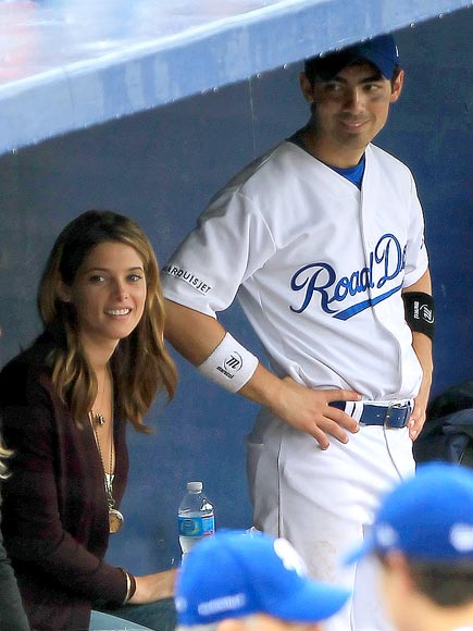 FAMILY TIES photo | Ashley Greene, Joe Jonas