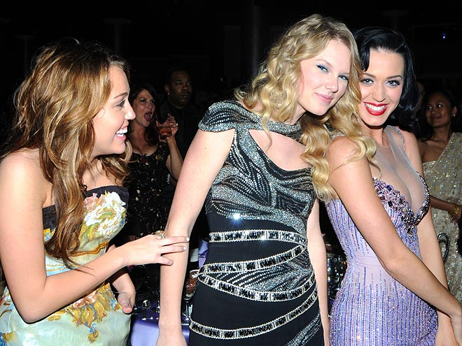 photo   Katy Perry, Miley Cyrus, Taylor Swift