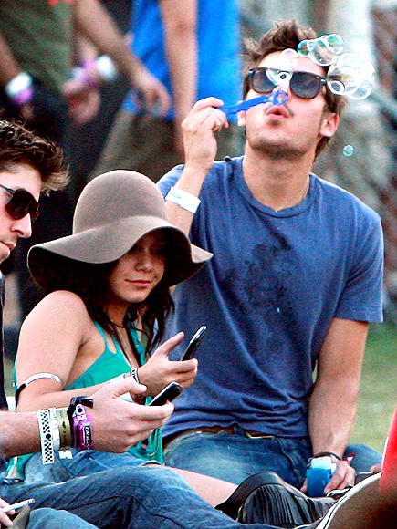 TINY BUBBLES photo | Vanessa Hudgens, Zac Efron
