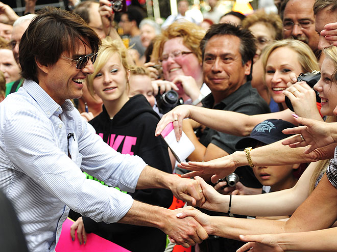 CROWD SURFING photo | Tom Cruise