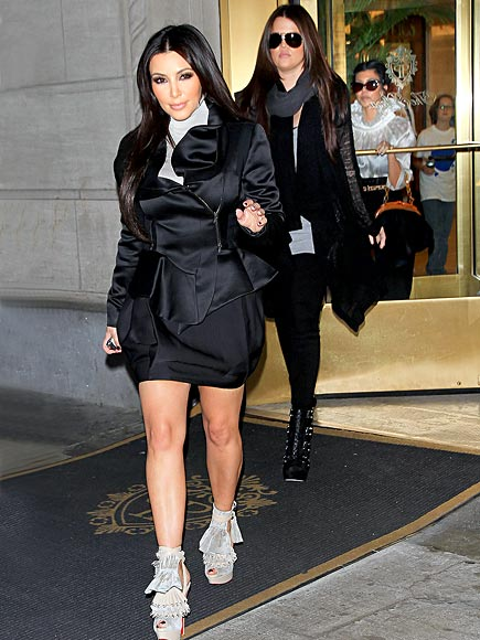 COIF DROPS photo | Khloe Kardashian, Kim Kardashian, Kourtney Kardashian