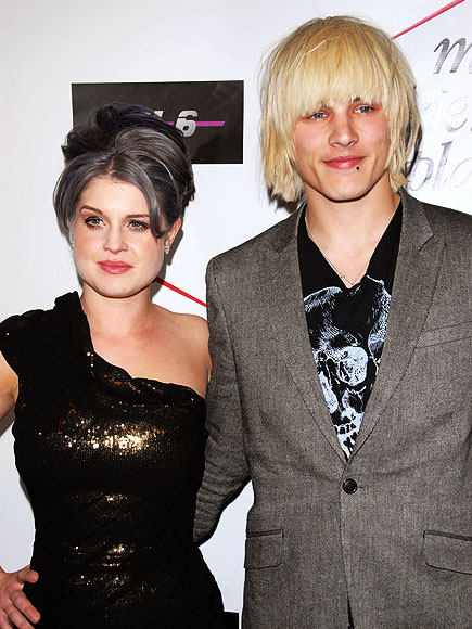 HATIN': KELLY & LUKE photo | Kelly Osbourne