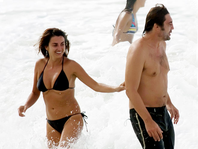 SWIMMING photo | Javier Bardem, Penelope Cruz