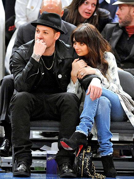 WATCHING BASKETBALL photo | Joel Madden, Nicole Richie