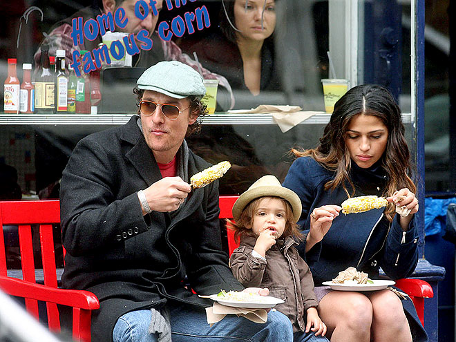 DINING OUTDOORS photo | Camila Alves, Matthew McConaughey