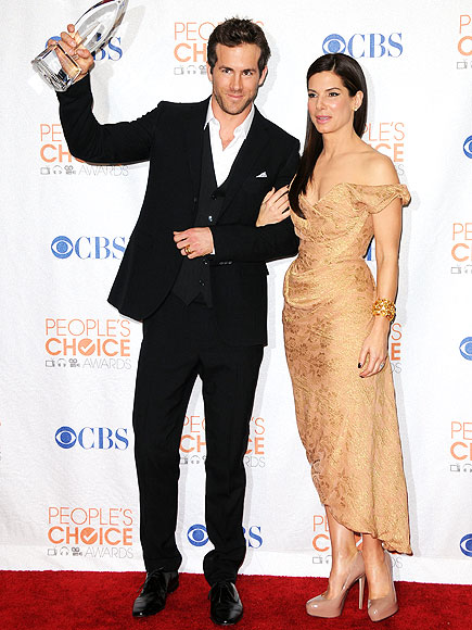 RYAN REYNOLDS & SANDRA BULLOCK photo | Ryan Reynolds, Sandra Bullock