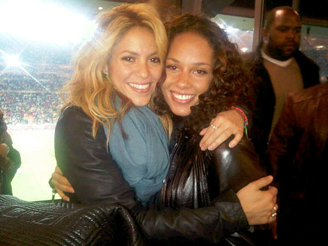 SHAKIRA AND ALICIA KEYS photo | Alicia Keys, Shakira