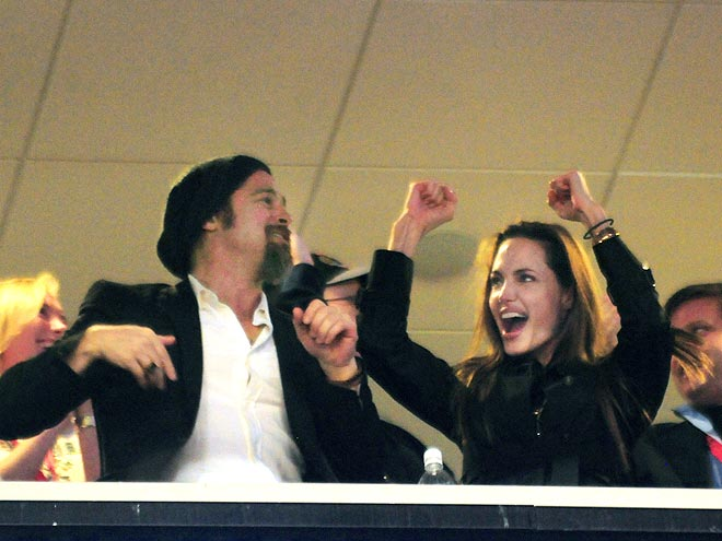 CHEER SQUAD photo | Angelina Jolie, Brad Pitt