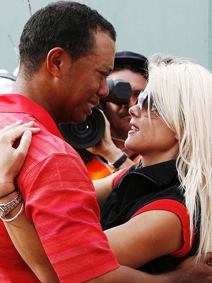 THE EMOTIONAL CHAMP photo   Elin Nordegren, Tiger Woods