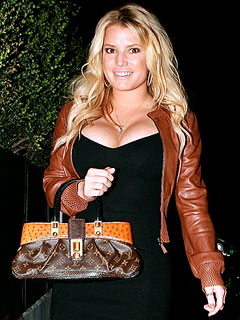 Jessica Simpson Checks Out the 'Cute Doctors'