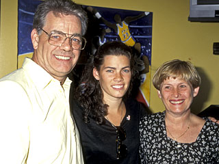 Family Holds Wake for Nancy Kerrigan's Father