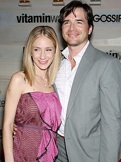 Gossip Girl's Matthew Settle and Wife Split