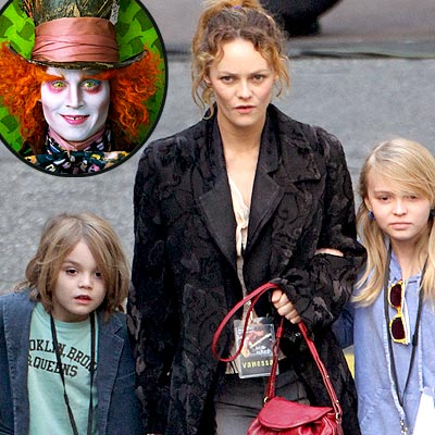 johnny depp wife and kids. Johnny Depp#39;s Kids Give Alice